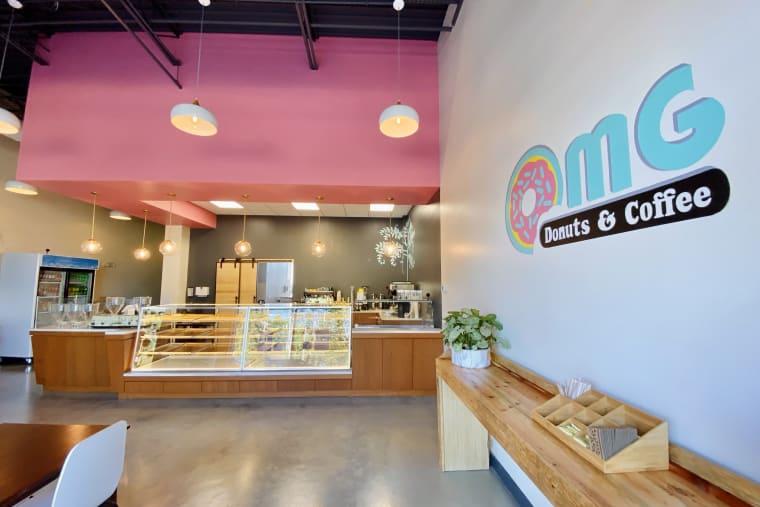 OMG Donut - Interior